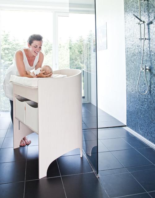 baignoire avec table à langer